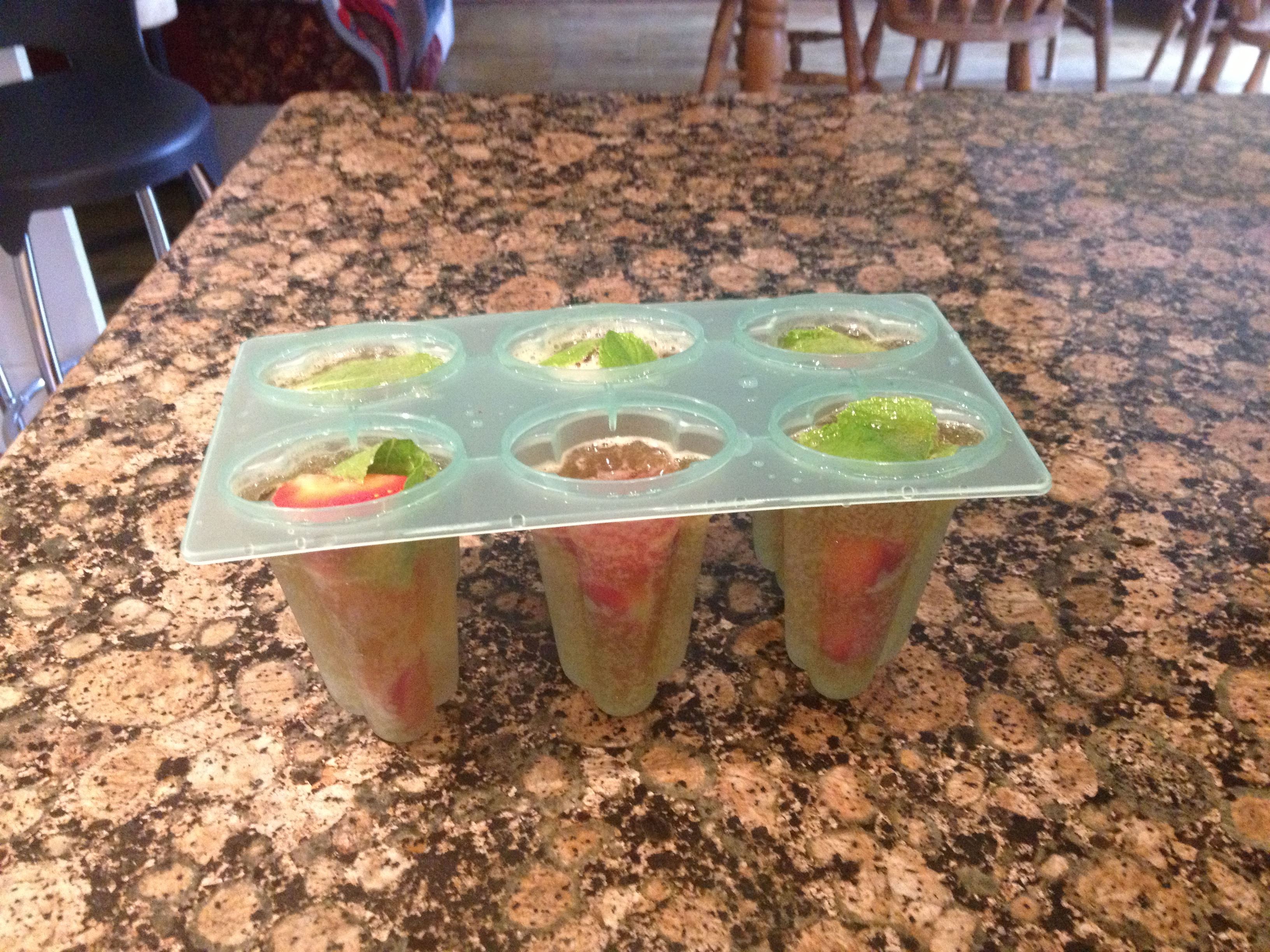 Easy recipe pimms ice lollies chi chi bella for What to mix with pimms